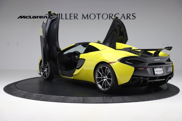 New 2019 McLaren 570S SPIDER Convertible for sale $227,660 at Alfa Romeo of Greenwich in Greenwich CT 06830 19