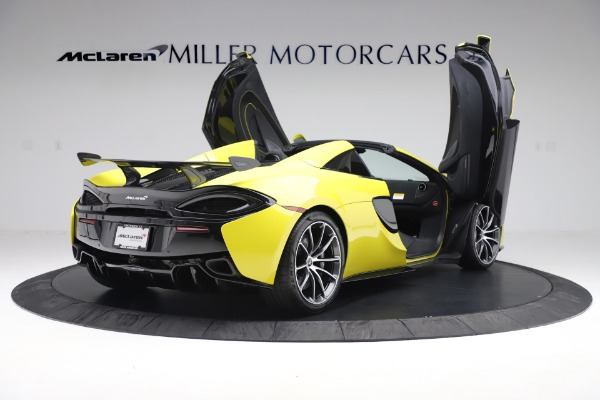 New 2019 McLaren 570S SPIDER Convertible for sale $227,660 at Alfa Romeo of Greenwich in Greenwich CT 06830 21