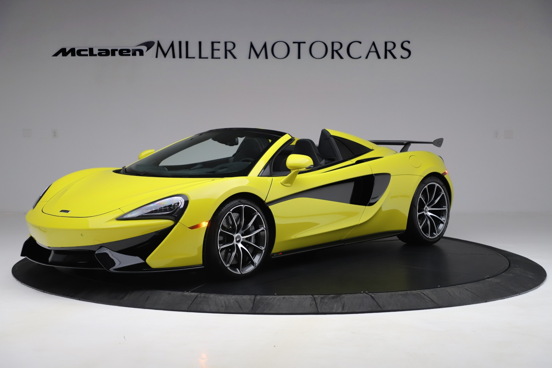 New 2019 McLaren 570S SPIDER Convertible for sale $227,660 at Alfa Romeo of Greenwich in Greenwich CT 06830 1