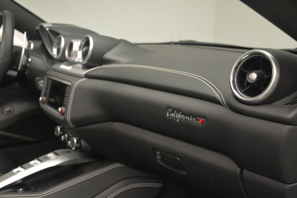 Used 2016 Ferrari California T for sale $141,900 at Alfa Romeo of Greenwich in Greenwich CT 06830 28