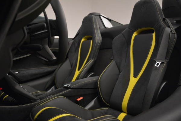 Used 2020 McLaren 720S Spider for sale Sold at Alfa Romeo of Greenwich in Greenwich CT 06830 26