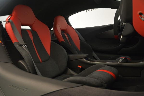 Used 2016 McLaren 570S Coupe for sale Sold at Alfa Romeo of Greenwich in Greenwich CT 06830 18