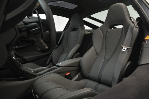 Used 2018 McLaren 720S for sale $269,900 at Alfa Romeo of Greenwich in Greenwich CT 06830 16