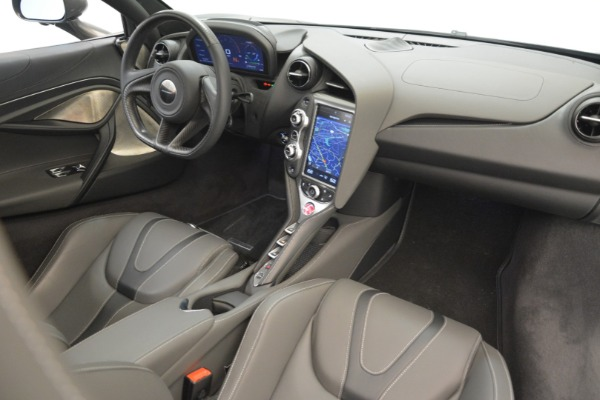 Used 2018 McLaren 720S for sale $269,900 at Alfa Romeo of Greenwich in Greenwich CT 06830 17
