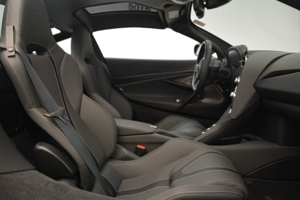 Used 2018 McLaren 720S for sale $269,900 at Alfa Romeo of Greenwich in Greenwich CT 06830 18