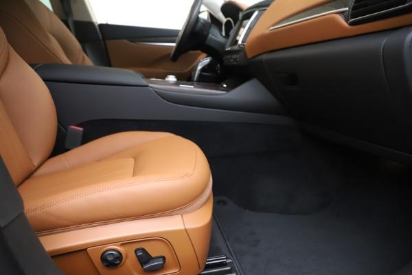New 2019 Maserati Levante Q4 for sale Sold at Alfa Romeo of Greenwich in Greenwich CT 06830 23