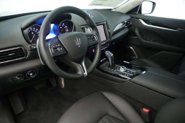 New 2019 Maserati Levante Q4 Nerissimo for sale $89,850 at Alfa Romeo of Greenwich in Greenwich CT 06830 13