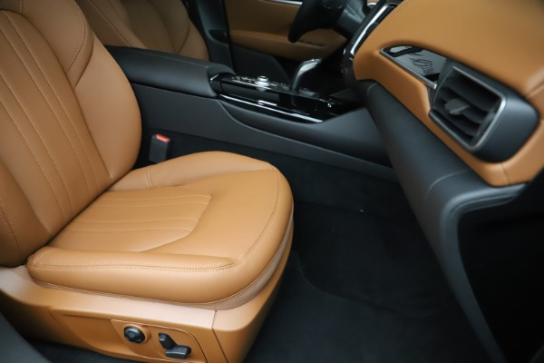 New 2019 Maserati Levante Q4 for sale $83,660 at Alfa Romeo of Greenwich in Greenwich CT 06830 24