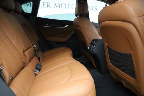 New 2019 Maserati Levante Q4 for sale $83,660 at Alfa Romeo of Greenwich in Greenwich CT 06830 27