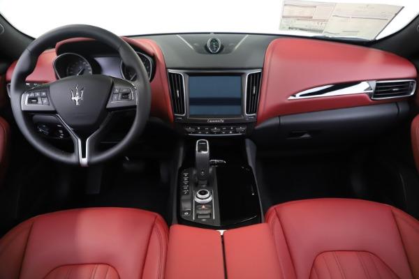 New 2019 Maserati Levante Q4 for sale Sold at Alfa Romeo of Greenwich in Greenwich CT 06830 16