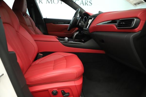 New 2019 Maserati Levante Q4 GranSport Nerissimo for sale Sold at Alfa Romeo of Greenwich in Greenwich CT 06830 23