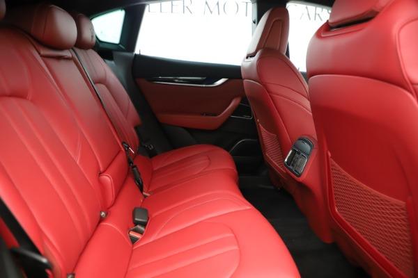 New 2019 Maserati Levante Q4 GranSport Nerissimo for sale Sold at Alfa Romeo of Greenwich in Greenwich CT 06830 27