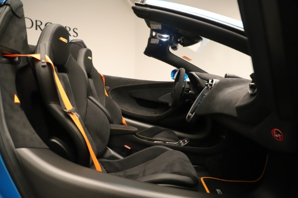 New 2020 McLaren 600LT SPIDER Convertible for sale $303,059 at Alfa Romeo of Greenwich in Greenwich CT 06830 25