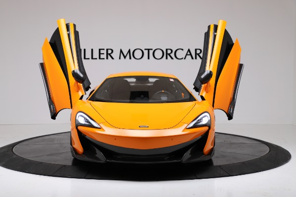 New 2019 McLaren 600LT Coupe for sale $279,310 at Alfa Romeo of Greenwich in Greenwich CT 06830 13