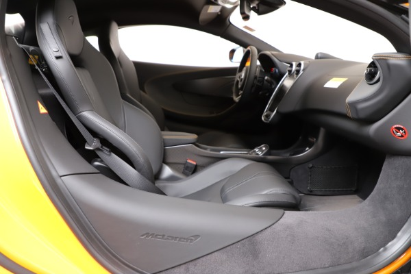 New 2019 McLaren 600LT Coupe for sale $279,310 at Alfa Romeo of Greenwich in Greenwich CT 06830 18