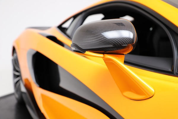 New 2019 McLaren 600LT for sale $279,310 at Alfa Romeo of Greenwich in Greenwich CT 06830 22