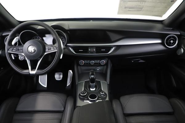 New 2019 Alfa Romeo Stelvio Ti Sport Q4 for sale Sold at Alfa Romeo of Greenwich in Greenwich CT 06830 16