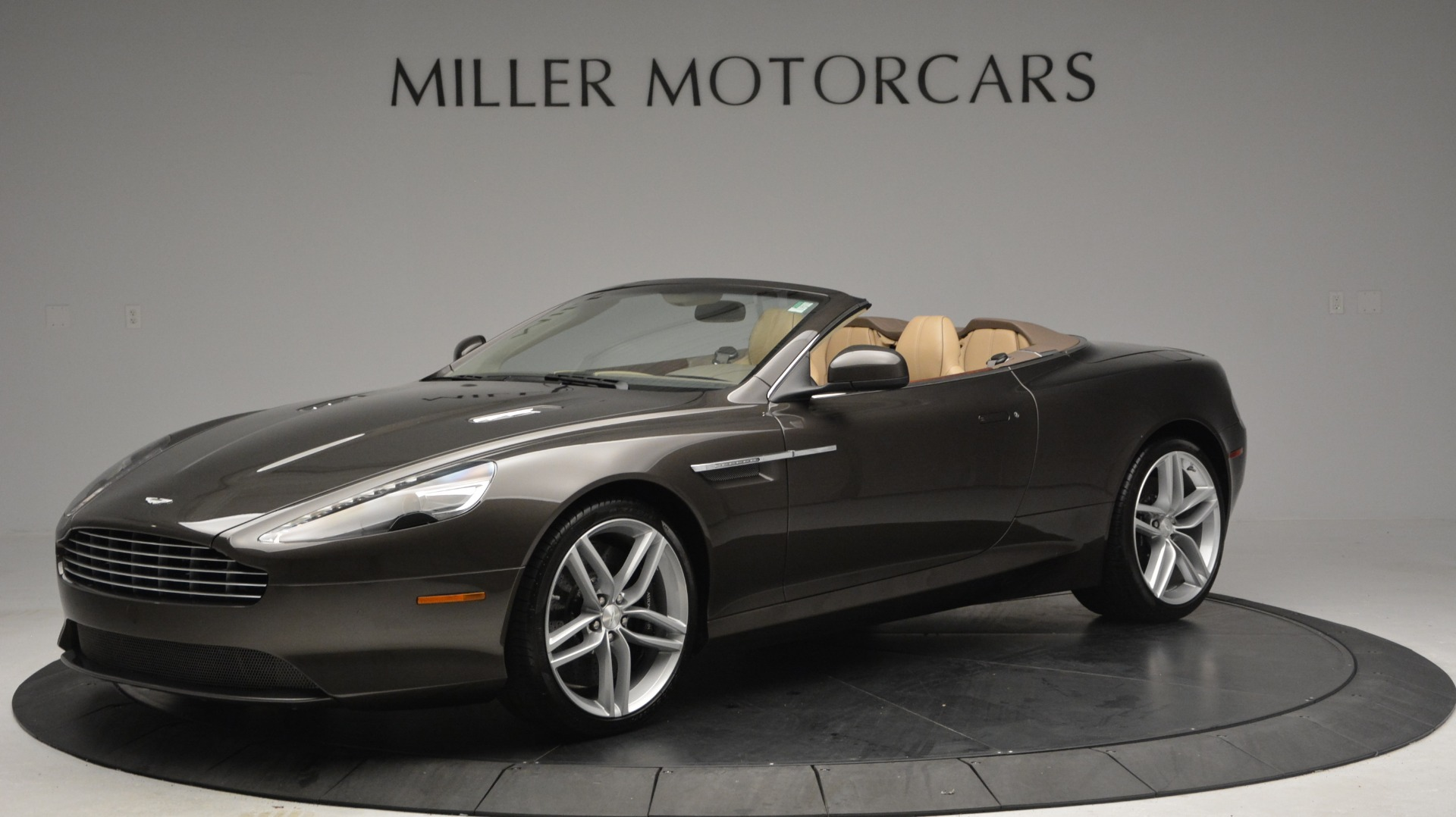 Used 2012 Aston Martin Virage Convertible for sale Sold at Alfa Romeo of Greenwich in Greenwich CT 06830 1