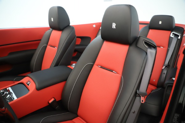 Used 2019 Rolls-Royce Dawn for sale $299,900 at Alfa Romeo of Greenwich in Greenwich CT 06830 19