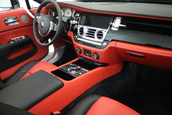 Used 2019 Rolls-Royce Dawn for sale $299,900 at Alfa Romeo of Greenwich in Greenwich CT 06830 23