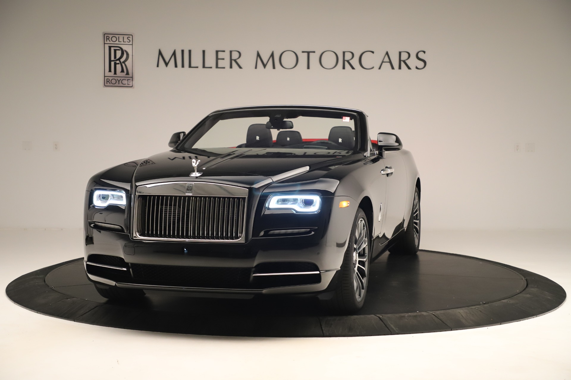 Used 2019 Rolls-Royce Dawn for sale $299,900 at Alfa Romeo of Greenwich in Greenwich CT 06830 1