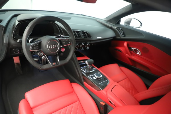 Used 2018 Audi R8 5.2 quattro V10 Plus for sale Sold at Alfa Romeo of Greenwich in Greenwich CT 06830 14