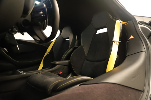 Used 2017 McLaren 570S Coupe for sale Sold at Alfa Romeo of Greenwich in Greenwich CT 06830 20