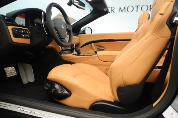New 2019 Maserati GranTurismo Sport Convertible for sale $163,845 at Alfa Romeo of Greenwich in Greenwich CT 06830 20