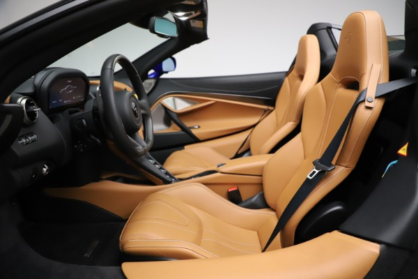 New 2020 McLaren 720S SPIDER Convertible for sale $374,830 at Alfa Romeo of Greenwich in Greenwich CT 06830 23
