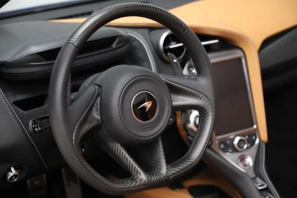 New 2020 McLaren 720S SPIDER Convertible for sale $374,830 at Alfa Romeo of Greenwich in Greenwich CT 06830 25