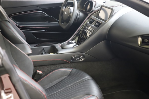 New 2019 Aston Martin DB11 V12 AMR Coupe for sale $263,916 at Alfa Romeo of Greenwich in Greenwich CT 06830 17