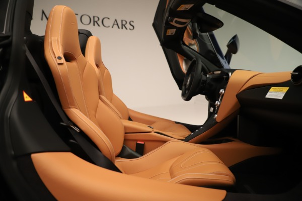 New 2020 McLaren 720S Spider Convertible for sale $372,250 at Alfa Romeo of Greenwich in Greenwich CT 06830 14