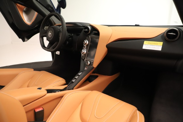 New 2020 McLaren 720S Spider for sale $372,250 at Alfa Romeo of Greenwich in Greenwich CT 06830 15
