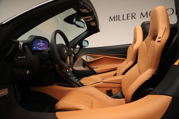 New 2020 McLaren 720S Spider Convertible for sale $372,250 at Alfa Romeo of Greenwich in Greenwich CT 06830 17