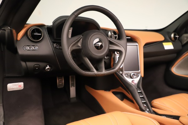 New 2020 McLaren 720S Spider for sale $372,250 at Alfa Romeo of Greenwich in Greenwich CT 06830 8