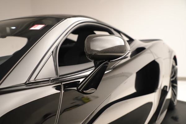 New 2019 McLaren 600LT Coupe for sale $278,790 at Alfa Romeo of Greenwich in Greenwich CT 06830 16