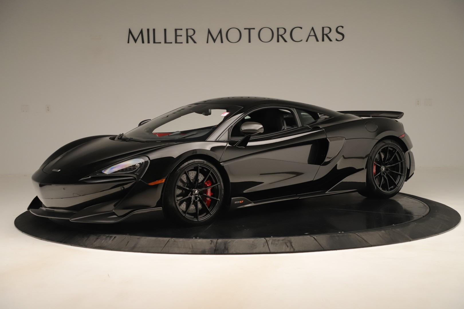 New 2019 McLaren 600LT Coupe for sale $278,790 at Alfa Romeo of Greenwich in Greenwich CT 06830 1