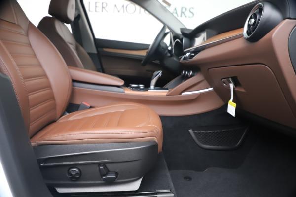 New 2019 Alfa Romeo Stelvio Ti Lusso Q4 for sale Sold at Alfa Romeo of Greenwich in Greenwich CT 06830 23