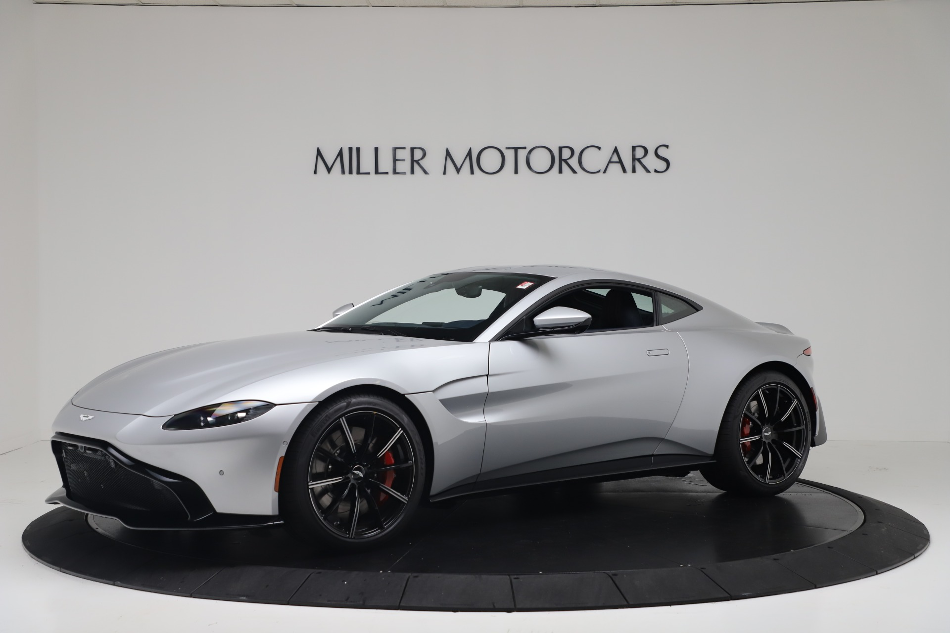New 2020 Aston Martin Vantage Coupe for sale $207,072 at Alfa Romeo of Greenwich in Greenwich CT 06830 1