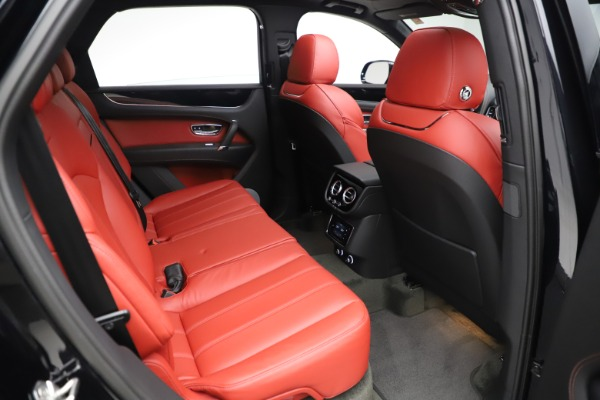 New 2020 Bentley Bentayga V8 for sale $181,250 at Alfa Romeo of Greenwich in Greenwich CT 06830 28