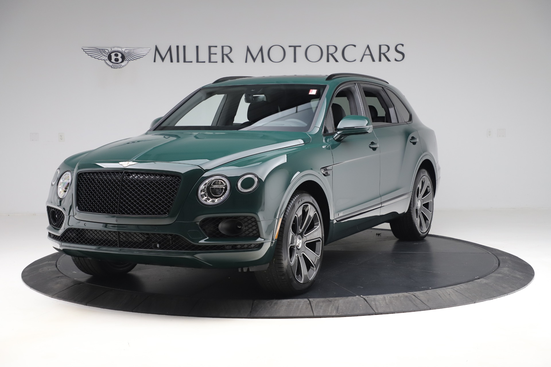 New 2020 Bentley Bentayga V8 Design Series for sale $223,015 at Alfa Romeo of Greenwich in Greenwich CT 06830 1