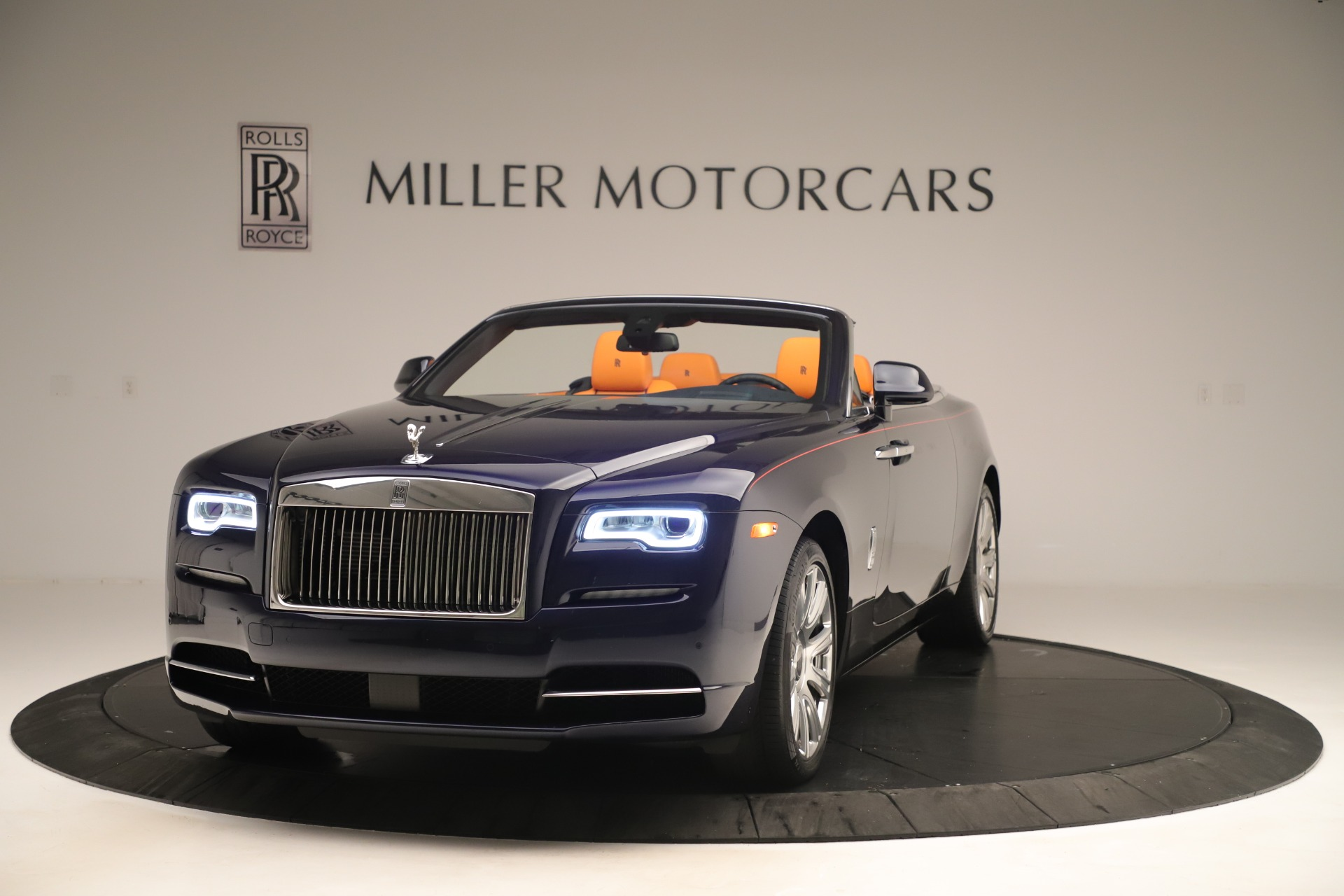 Used 2016 Rolls-Royce Dawn for sale Sold at Alfa Romeo of Greenwich in Greenwich CT 06830 1
