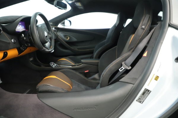 Used 2016 McLaren 570S Coupe for sale $151,900 at Alfa Romeo of Greenwich in Greenwich CT 06830 14