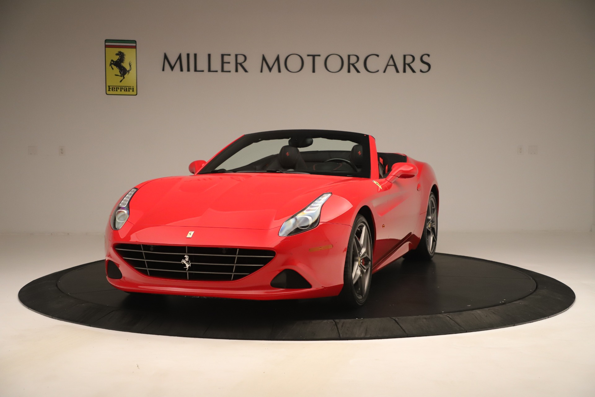Used 2016 Ferrari California T for sale Sold at Alfa Romeo of Greenwich in Greenwich CT 06830 1