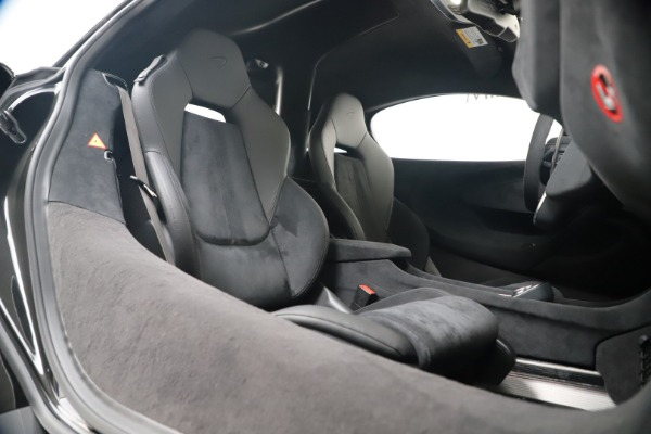 New 2019 McLaren 600LT for sale $305,639 at Alfa Romeo of Greenwich in Greenwich CT 06830 26