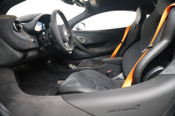 New 2019 McLaren 600LT Coupe for sale $311,619 at Alfa Romeo of Greenwich in Greenwich CT 06830 19