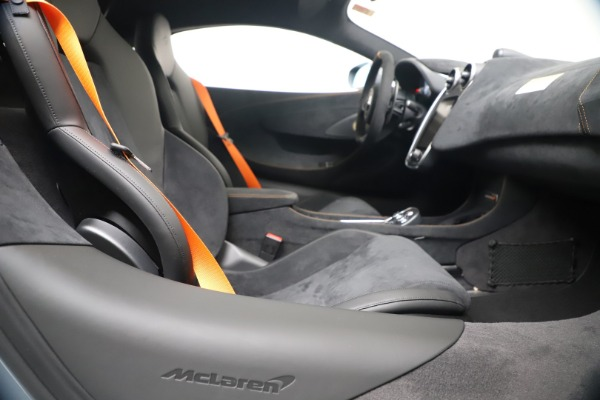 New 2019 McLaren 600LT for sale $311,619 at Alfa Romeo of Greenwich in Greenwich CT 06830 23
