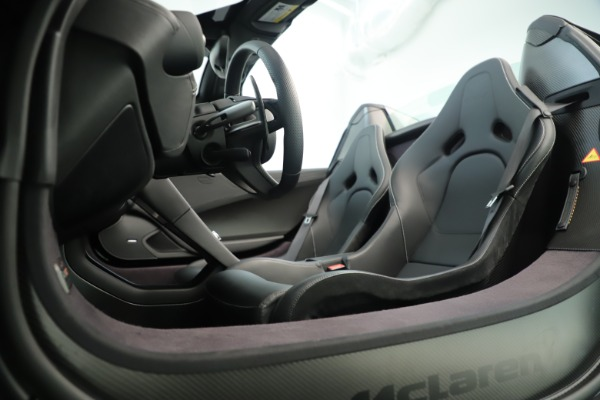 Used 2016 McLaren 675LT Convertible for sale Sold at Alfa Romeo of Greenwich in Greenwich CT 06830 22