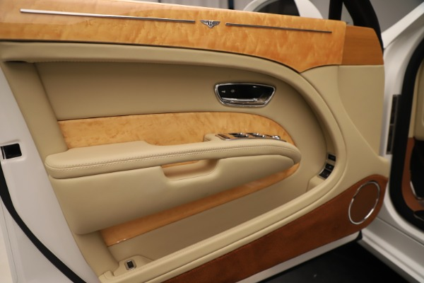 Used 2016 Bentley Mulsanne for sale Sold at Alfa Romeo of Greenwich in Greenwich CT 06830 16