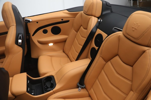 New 2019 Maserati GranTurismo Sport Convertible for sale $164,075 at Alfa Romeo of Greenwich in Greenwich CT 06830 22